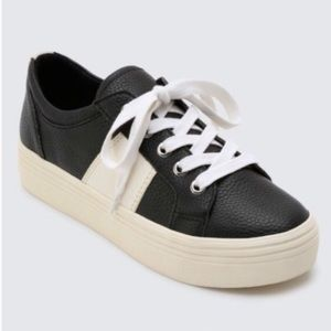 Dolce Vita Tavina Black Leather Platform Sneakers